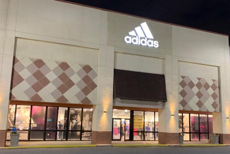 b313c3cd0cb Onde Comprar Adidas em Orlando - Qual a Melhor Adidas de Orlando