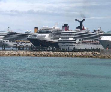 Cruzeiro saindo de Orlando (Port Canaveral) para as Bahamas.
